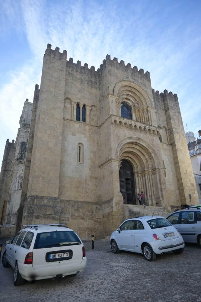 Qué hacer en Coímbra: La catedral vieja, con aspecto de castillo o fortaleza