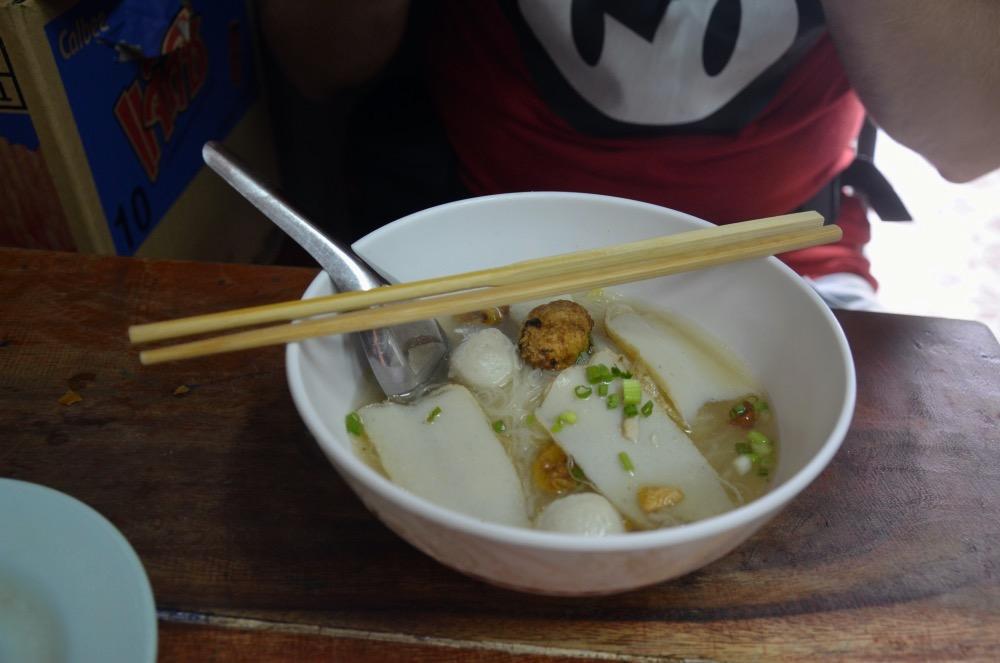 Un plato de comida en Bangkok