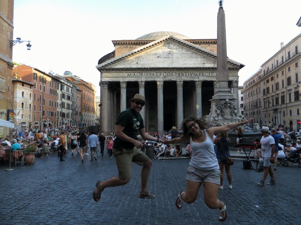 Saltando en el Panteón