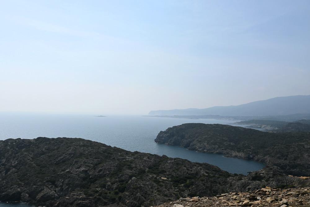 Vistas del cap de creus al mar y a las diferentes formaciones de la costa